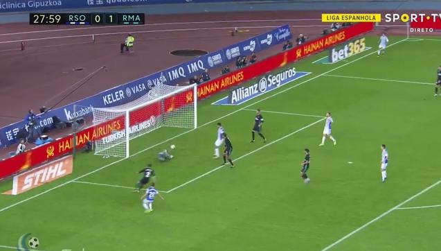 Fatalny błąd Keylora Navasa! Real Sociedad wyrównuje! [VIDEO]