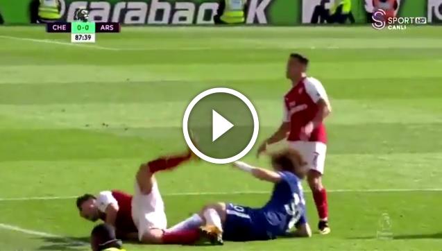 David Luiz dostaje czerwoną kartę!