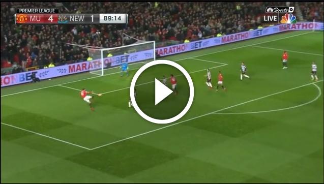 Ibrahimović wrócił i prawie... załadował gola nożycami! [VIDEO]