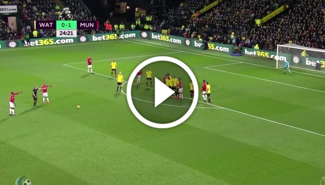 Kapitalna bramka Younga! Reakcja Mourinho... Jeszcze lepsza! [VIDEO]