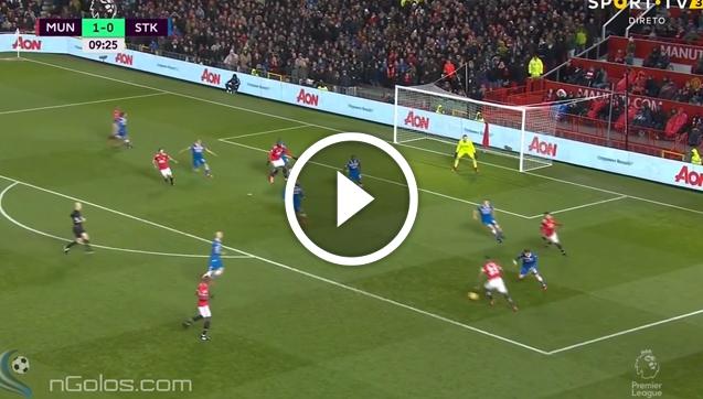 Valencia ładuje gola ze Stoke! Co za BOMBA! [VIDEO]