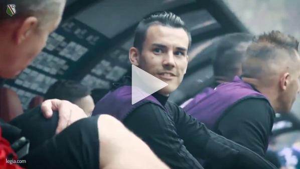 Kibice Legii wulgarnie śpiewają o Arce, a piłkarze... xD [VIDEO]