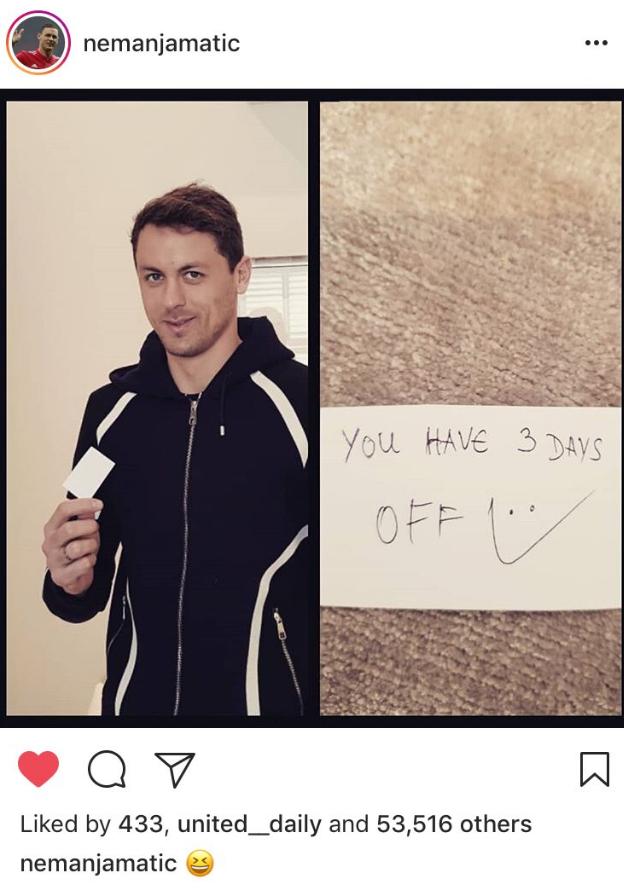 Matić pokazał, co było na karteczce od Mourinho