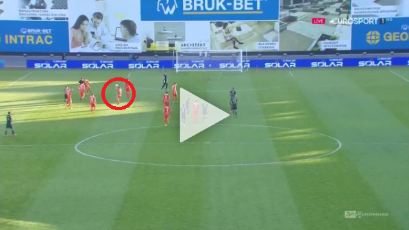 JAJA! Miković rzuca piłką w sędziego i dostaje czerwo [VIDEO]