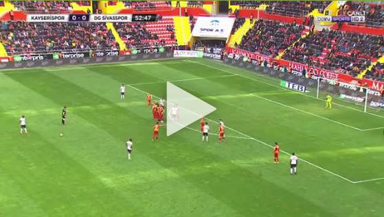 Robinho wciąż to ma! Piękny gol Brazylijczyka w lidze tureckiej [VIDEO]